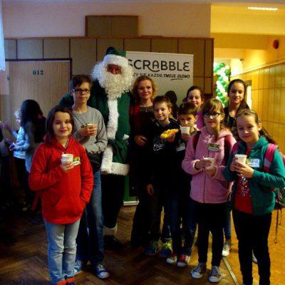 Nasza grupa ze scrabblowym Św. Mikołajem